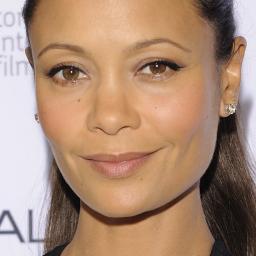 Te weinig make-up voor donkere huid volgens Thandie Newton