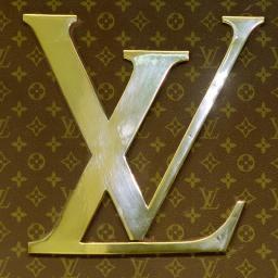 Amerikaanse schoenontwerper beschuldigt Louis Vuitton van plagiaat