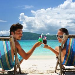 'Belgen drinken het meest op vakantie'
