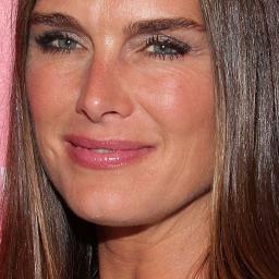 Brooke Shields maakt make-upcollecties voor MAC